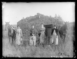 The Chrisman Sisters on a claim in Goheen settlement on Lieban (Lillian) Creek, Custer County, 1886. Left to right: Hattie, Lizzie, Lutie, and Ruth